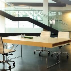 apspriežu galdi / galdi sanāksmēm
