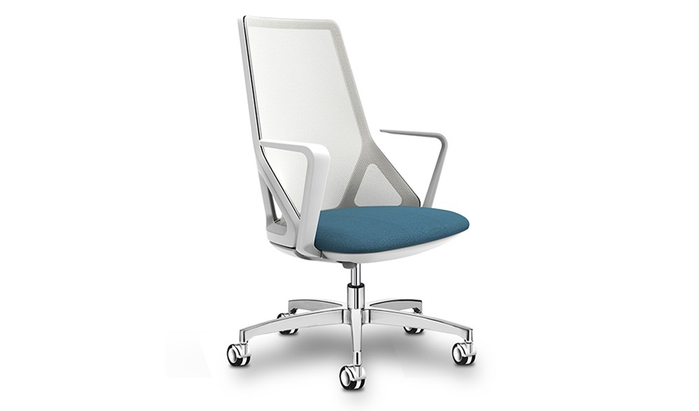Task chair with breathable mesh backrest and aluminium five star base
